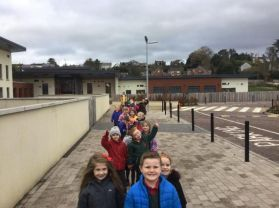Mrs Thompson's class on their historic walk around Dromore 👣🏰